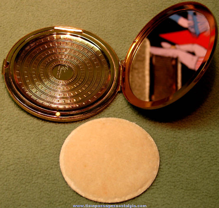 Old Masonic Order of The Eastern Star Make Up Compact With Mirror