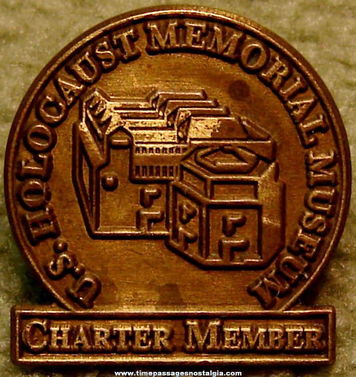 1990s United States Holocaust Memorial Museum Charter Member Pin