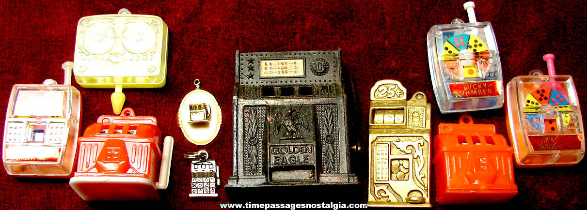 (10) Small Slot Machine Gambling Related Toy Game & Jewelry Items