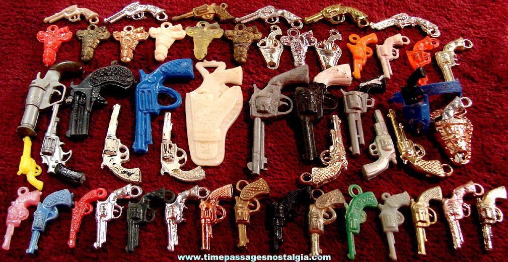 (50) Old Western Cowboy Miniature Revolver Gun Pistol or Gum Ball Machine Toy Prize Charms