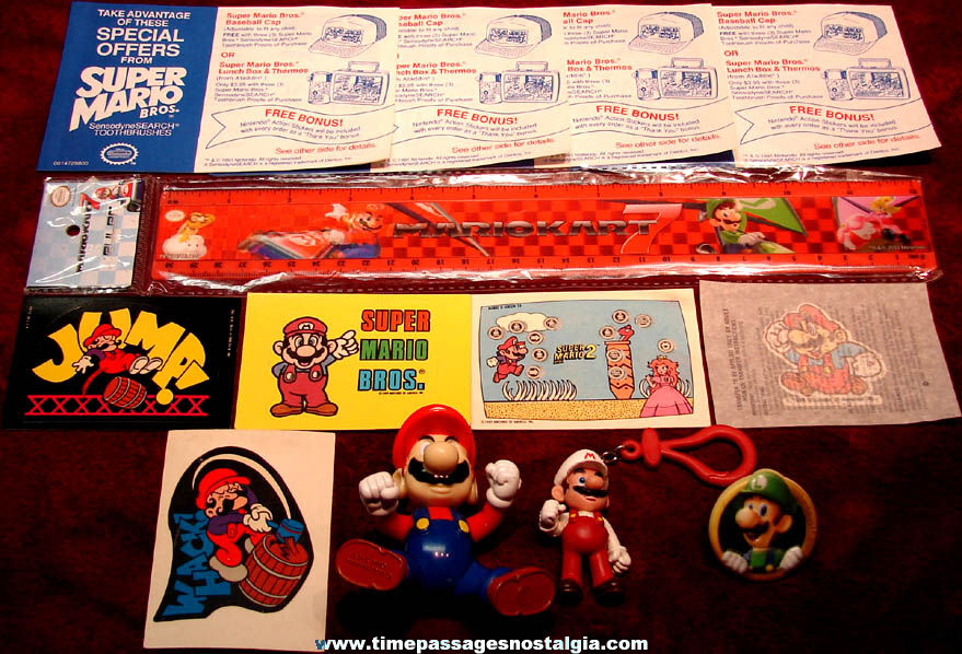 (14) Small 1980s – 2000s Super Mario Brothers Video Game Cartoon Character Items
