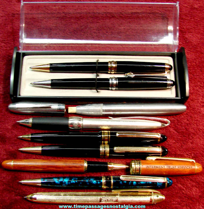 (9) Different Old Ball Point Ink Pens