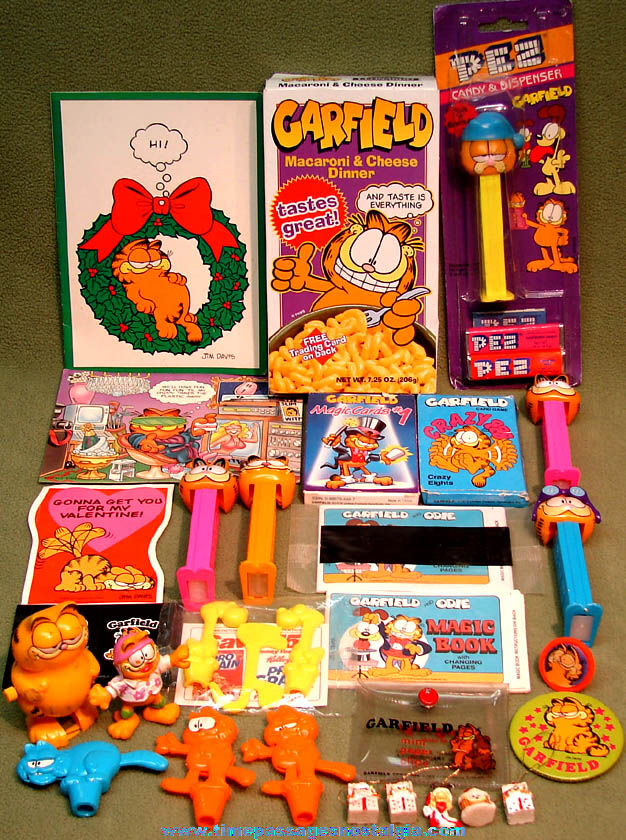 (28) Garfield & Odie Cartoon & Comic Strip Character Advertising Premium and Toy Items