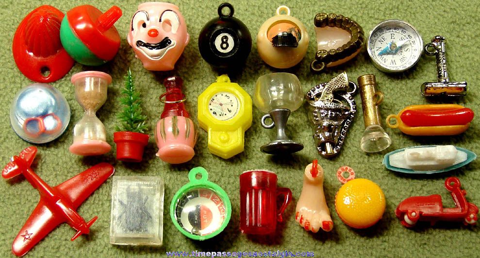 (25) Different Old Gum Ball Machine Miniature Toy and Charm Prizes