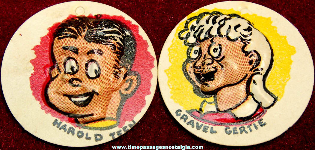 (2) Different Colorful Old Cracker Jack Pop Corn Confection Comic Character Vacuform Toy Charm Prizes