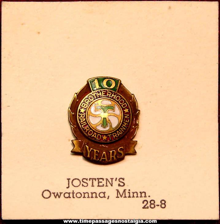 Old Carded Brotherhood Railroad Trainmen 10 Year Enameled Metal Screw Back Pin