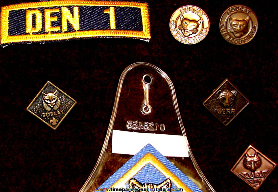 (17) Different Small Old Boy's Cub Scout Related Items