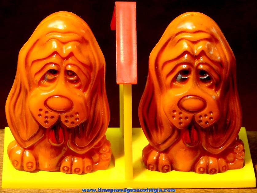 Colorful Old Unused Big Eyed Hound Dog Salt & Pepper Shaker Set With Dog House Tray