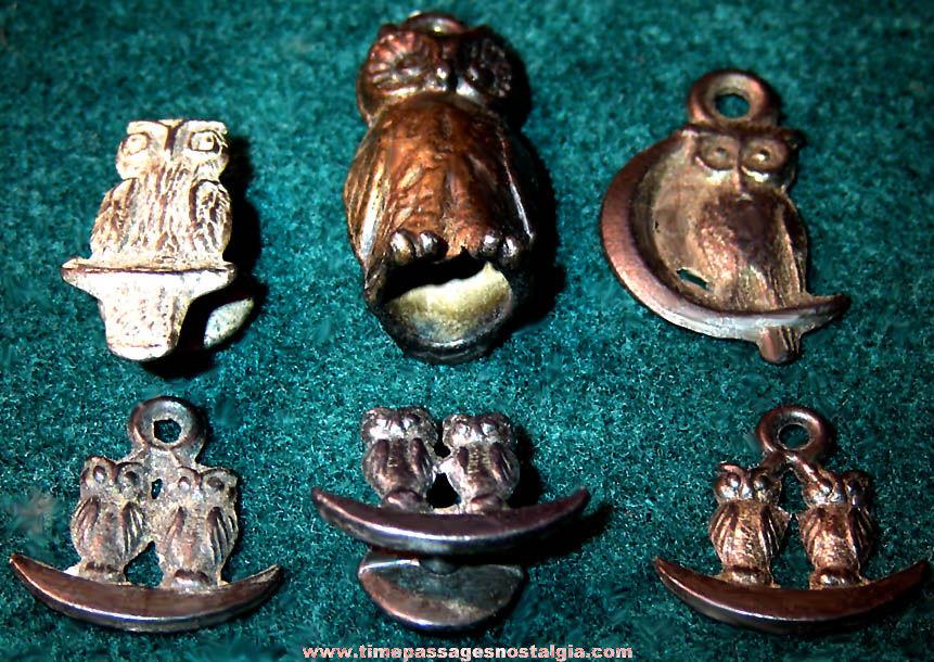 (6) Old Cracker Jack Pop Corn Confection Owl Bird Pot Metal or Lead Toy Prize Figurine Charms & Lapel Stud Buttons