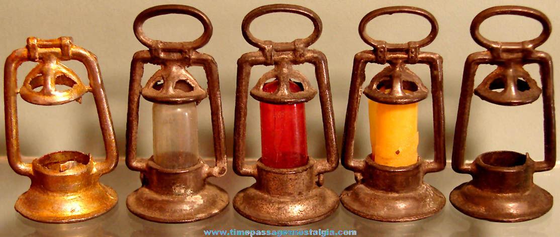 (5) Old Cracker Jack Pop Corn Confection Miniature Pot Metal Toy Prize Railroad Lantern Charms