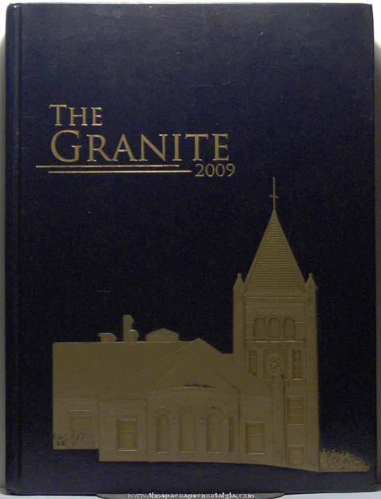 2009 University of New Hampshire Yearbook (Granite)